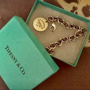 Tiffany & Co. Return to Tiffany Sterling Bracelet